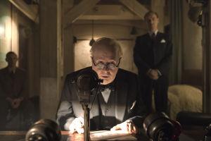Winston Churchil Darkest Hour -elokuvassa.