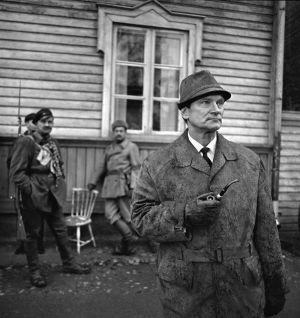 Kirjailija, ohjelman käsikirjoittaja Reino Lahtinen Lennun kuvauksissa (1967).