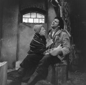 Näyttelijät Raili Veivo (Lyyti) ja Pekka Laiho (Jaakko) tv-draamassa Lennu (1967).
