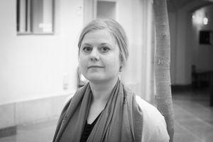 Erna Bodström forskar i migration vid Helsingfors Universitet.
