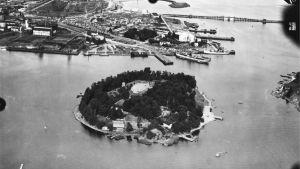 Flygfoto på Sumparn år 1937, före landfyllningen.