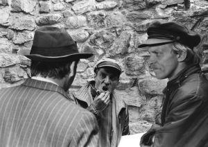 Vili Auvinen ohjaa Veijo Pasasta ja Esko Roinetta (1977).