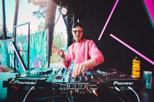 Rony Rex Weekend Festivalilla YleX:n pisteellä.