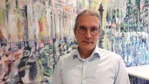 Tommi Lehtonen är professor i tillämpad filosofi vid Vasa Universitet