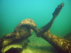 Merenneito-veistos veden alla Dalskär saaren vedenalaisella veistospolulla.