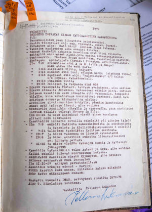 Kuva kirkkovaltuuston pöytäkirjan sivusta, koneella kirjoitettu, otsikko: Työselitys. Selostus Toivakan kirkon kirkkokasettien maalauksesta.