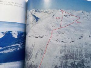 En karta över den rutt upp till Blåbärsfjället experterna rekommenderar och de omkomna också valde.