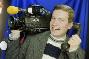 N.Y.T. NYT Nuorten uutiset ohjelman toimittaja Kaius Niemi vuonna 1996..