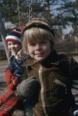 Kyösti Väntänen tv-draamassa Aikapoika ja mono (1976).