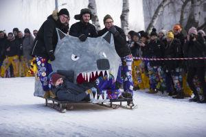 Ämnesföreningen Artes pulka formad som en varg.