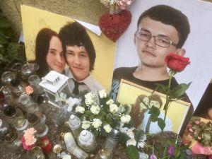 Det inofficiella minnesmärket till åminnelse av morden på journalisten Ján Kuciak och Martina Kušnírová.