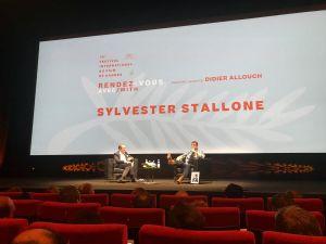 Sylvester Stallone haastattelutilaisuudessa Cannes elokuvajuhlilla 2019.