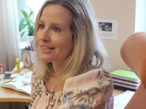 Pamela Antila är utvecklingspyskolog inom Vasa stads familjevård.