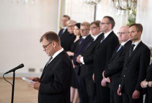 Juha Sipilä håller tal.
