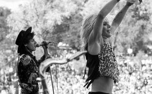Hanoi Rocks -yhtye esiintymsäsä Ruisrockissa 1980-luvulla.