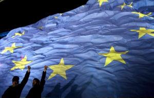 En bild på EU:s flagga.