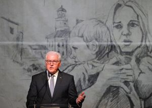 Tysklands president Frank-Walter Steinmeier talar i Warszawa den i september 2019, på  80-årsdagen av andra världskrigets utbrott.