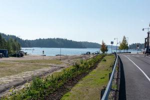 Bostadsområde vid strand.