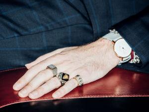 Kuva Warren Ellisin kädestä.