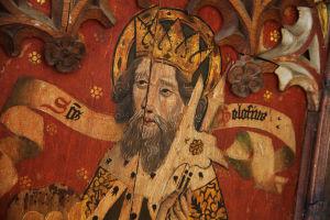 Keskiainen maalaus puulle, jonka aiheena kruunupäinen Pyhä Olavi