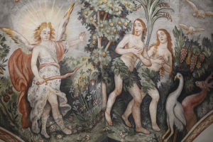 Fresko, joka kuvaa Aatamin ja Eevan karkoitusta Paratiisista. Enkeli, jolla miekka.