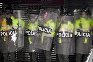 Colombianska poliser i rad.