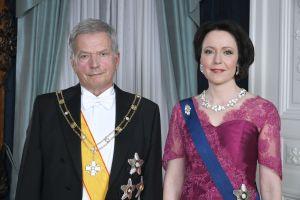 President Sauli Niinistö och fru Jenni Haukio på presidentens slott inför självständighetsmottagningen den 6 december 2019.
