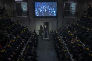 Maskerade poliser och skurkar i Watchmen.