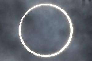 En ringformig solförmörkelse i Dindigul in den indiska delstaten amil Nadu den 26 december 2019.