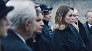 Anna Paquin elokuvassa The Irisman