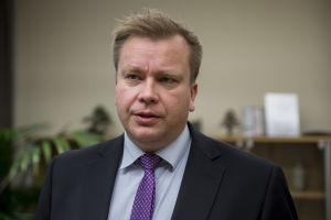 Puolustusministeri, Antti Kaikkonen, Kesk.