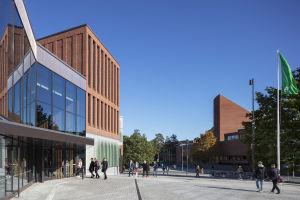 Aalto-universitetets universitetsbyggnad i Otnäs.