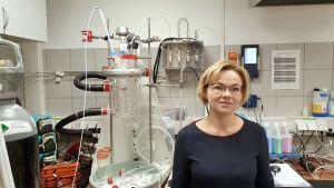 Mai Uibu i sitt laboratorium på Tallinns tekniska universitet.