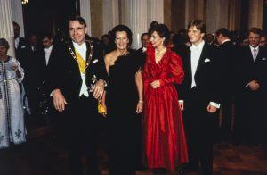 Presidentti Mauno Koivisto, rouva Tellervo Koivisto, presidenttiparin tytär Assi Koivisto sekä hänen miehensä liikemies Jari Komulainen itsenäisyyspäivän vastaanotolla vuonna 1982.