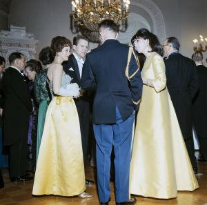 Lenita Airisto Linnan juhlissa vuonna 1966.
