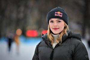 Emmi Peltonen på uteis i Helsingfors.