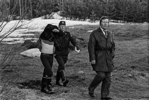 Poliisi pidätti takaa-ajon jälkeen rikoksesta epäillyn 1974.