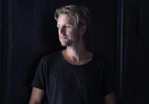 Författarporträtt på Johan Anderberg.