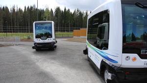 Förarlös bussar på bostadsmässan 2015.