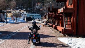 Motorcykel på Skeppsbron.