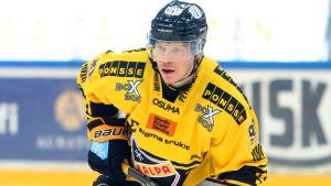 Janne Keränen i KalPas tröja.