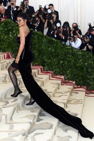 Kylie Jenner bär en Alexander Wang på Metgalan 2018.