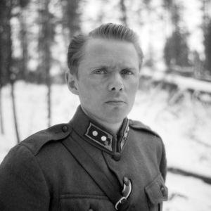 Luutnantti Olavi Alakulppi Vienan Karjalassa joulukuussa 1941.