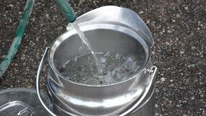 Vattenhink fylls upp.