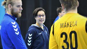 Joonas Klama, Vanja Radic och Mikael Mäkelä på handbollslandslagets träningar.