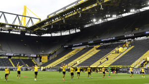 Borussia Dortmund firar sin seger mot Schalke.
