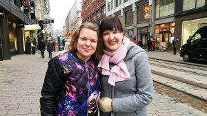 Ystävykset Lotta Pukkila ja Niina Koski.