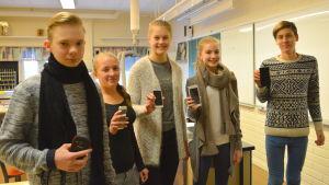Nicolou Soroka, Georgina Kung, Victoria Myntti, Inez Kjellman och Totte Pelkkala