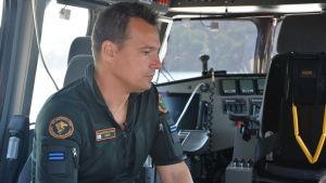 Mikael Rehn jobbar som äldre sjöbevakare vid stationen i Porkala.