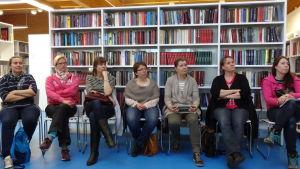 Föräldrar i Ingå får tips om hur de ska inspirera sina barn att läsa mera.